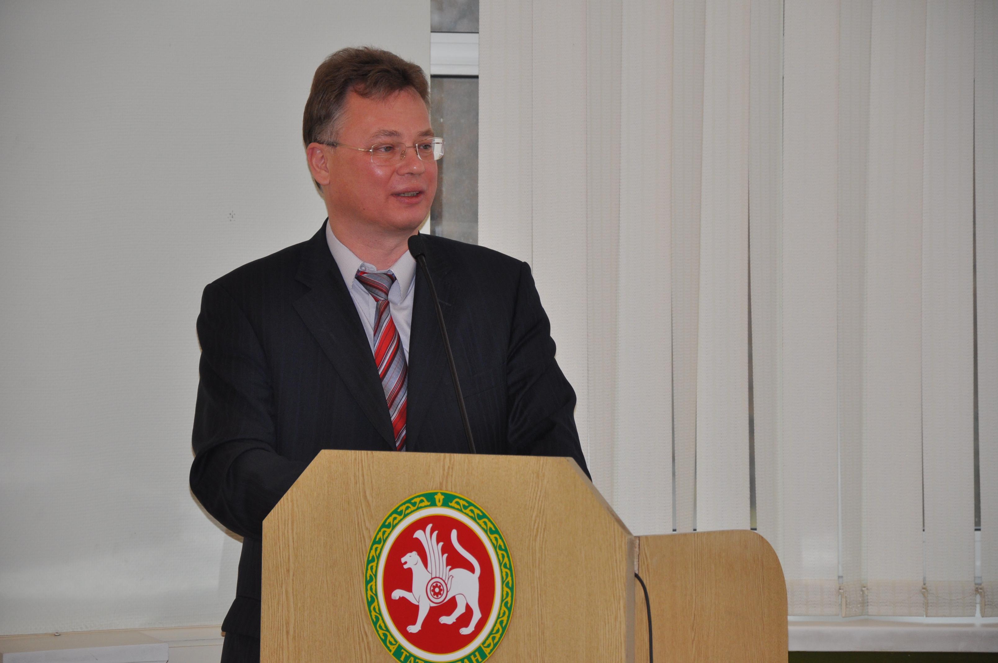 Ректор КНИТУ-КХТИ заработал в 2015 году 4,5 млн рублей